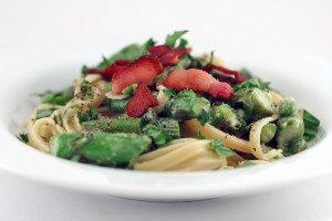 Fettuccine with Asparagus, Peas & Bacon